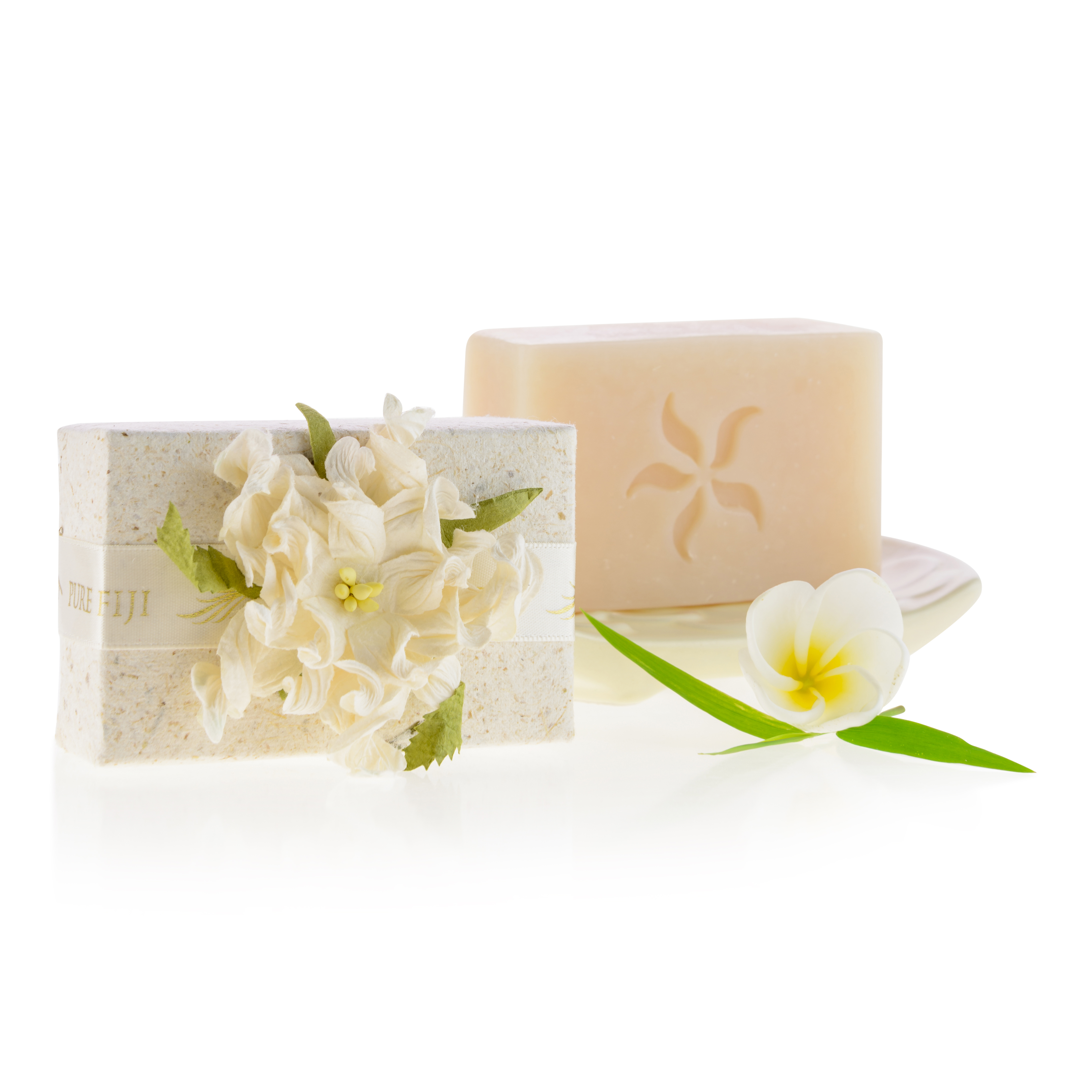 paper soap Macpac dry paper soap are compact, dry sheets of soap suitable for taking in  your carry on luggage comes in pack of 50.